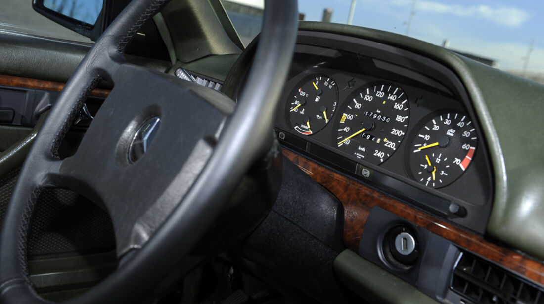 Mercedes 500 SEC, Cockpit