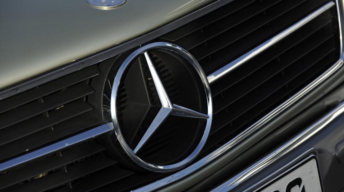 Mercedes 500 SEC, Stern, Kühlergrill