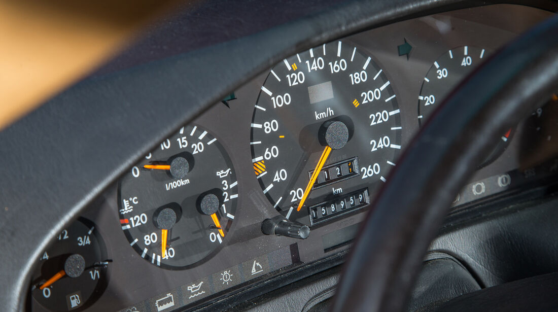 Mercedes 500 SL (R129), Rundinstrumente