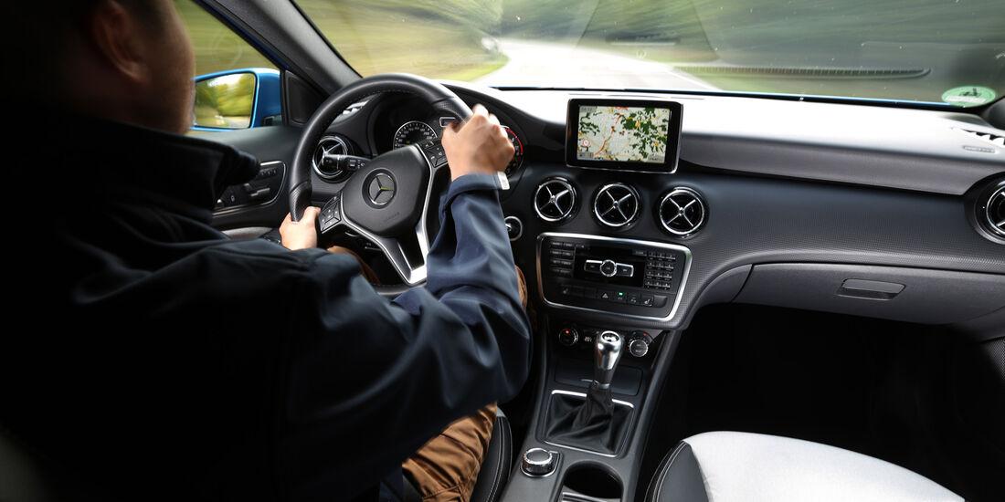 Mercedes A 180 CDI, Cockpit, Fahrersicht