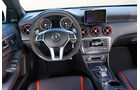 Mercedes A 45 AMG, Cockpit, Lenkrad