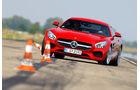 Mercedes-AMG GT, Frontansicht, Slalom