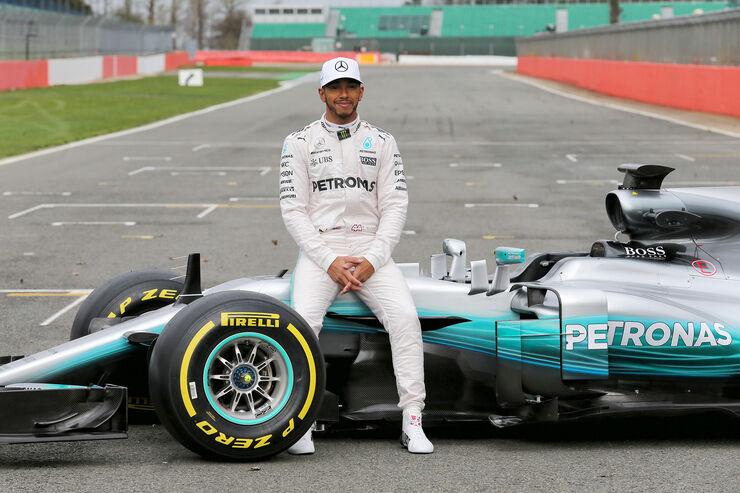 https://imgr3.auto-motor-und-sport.de/Mercedes-AMG-W08-F1-Auto-2017-fotoshowBig-b2d1aec1-1008700.jpg