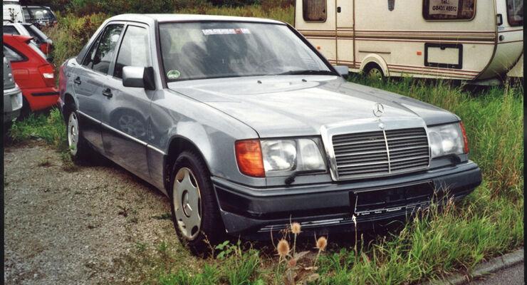 Mercedes-Benz 220 E