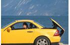 Mercedes-Benz 230 SLK, Seitenansicht, Verdeck öffnet