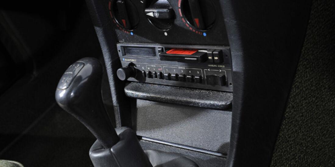 Mercedes-Benz 240 TD, Schaltknauf, Mittelkonsole