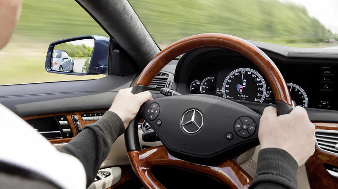 Mercedes-Benz CL 2010, Toter-Winkel-Assistent, Cockpit, Luxus-Coupé