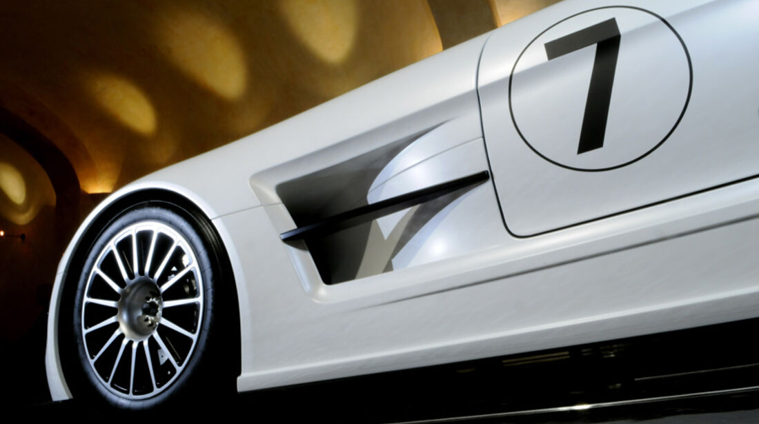 Mercedes-Benz SLS AMG GT3 Flügeltürer Seite