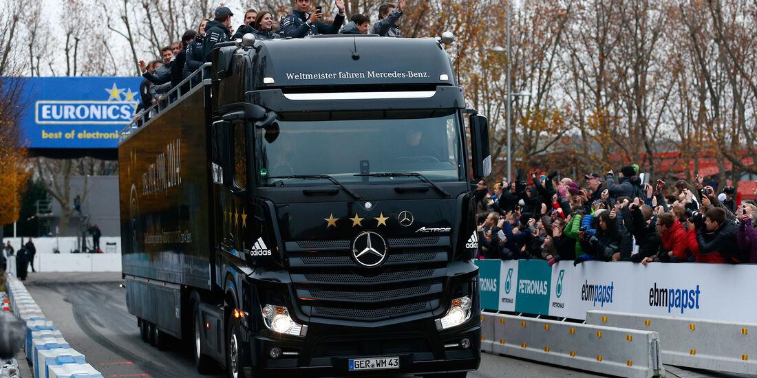 Mercedes-Benz - Stars & Cars 2014