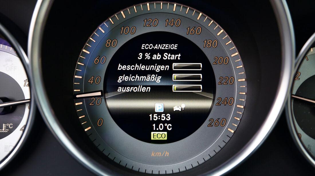 Mercedes C 180 CDI, Rundinstrument