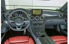 Mercedes C 400 4Matic, Cockpit