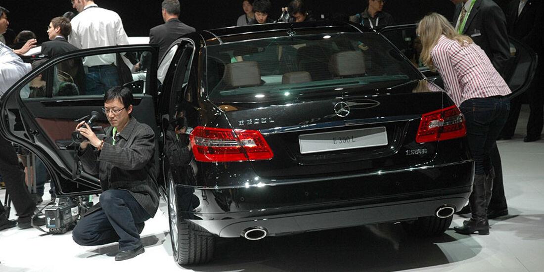 Mercedes E 300 L auf der Auto China 2010