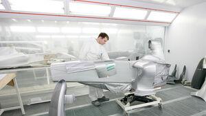 Mercedes F1 Lackiererei
