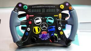 Mercedes F1 W04 Lenkrad 2013
