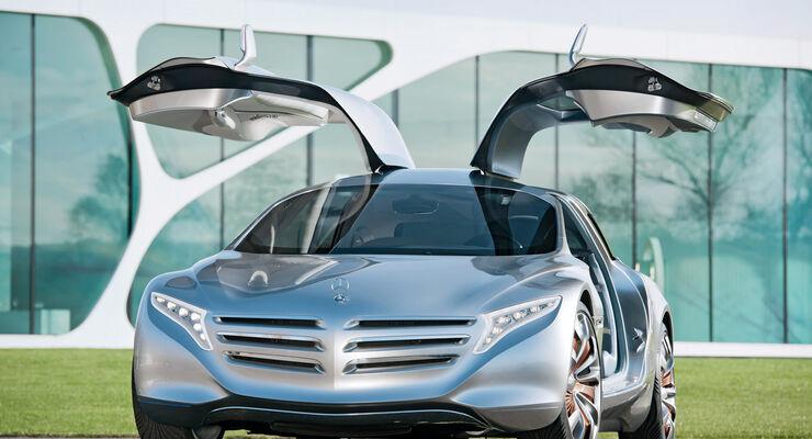 Mercedes F125, Frontansicht, Flügeltüren