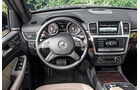 Mercedes GL, Cockpit