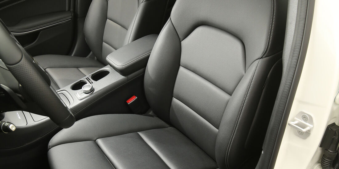 Mercedes GLA, Fahrersitz