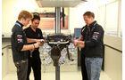 Mercedes GP Motoren Schumacher Rosberg 2011