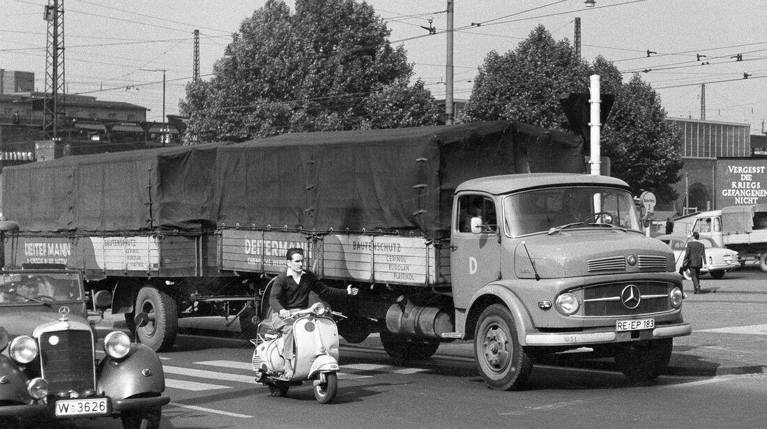 Mercedes Kurzhauber Zugmaschine Stadtverkehr Essen (1962)
