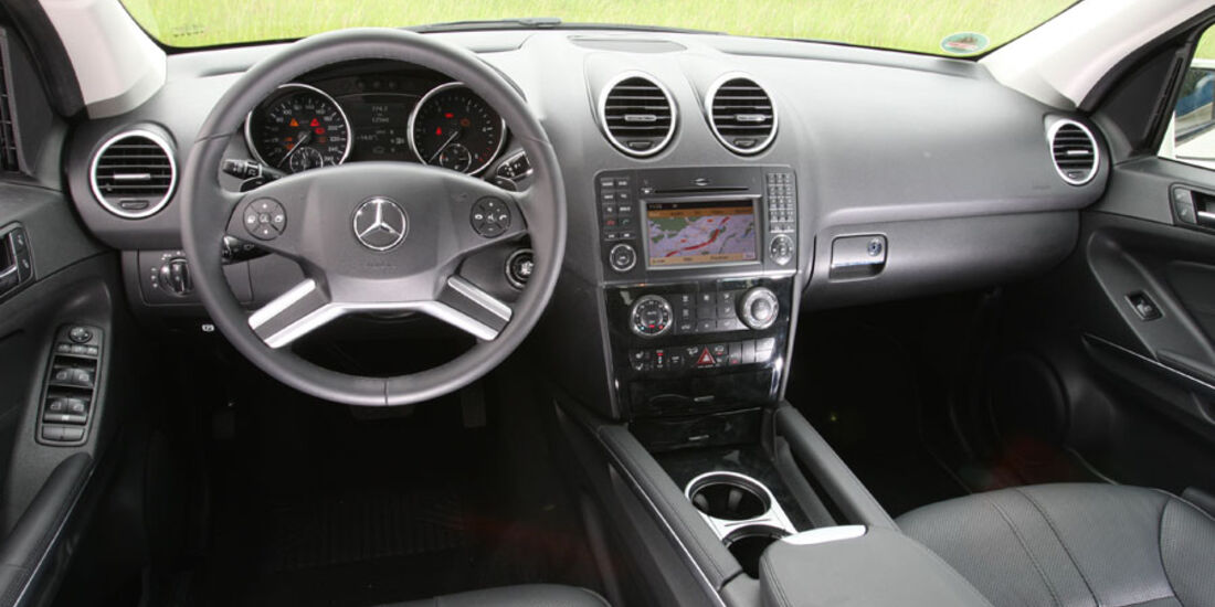 Mercedes ML 350 Bluetec, Cockpit
