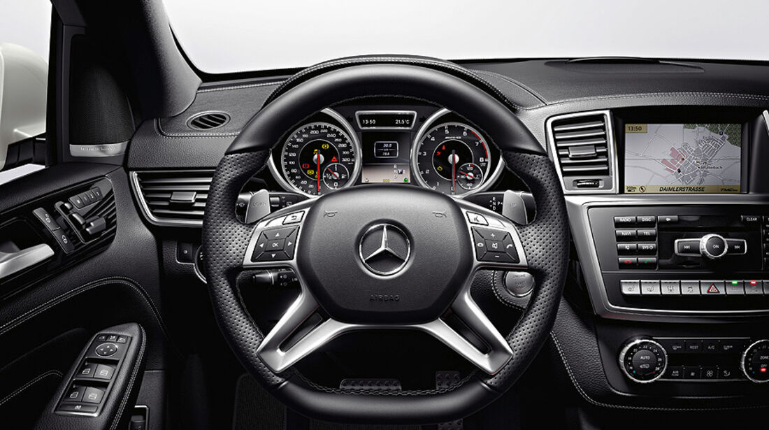 Mercedes ML 63 AMG, Innenraum, Cockpit