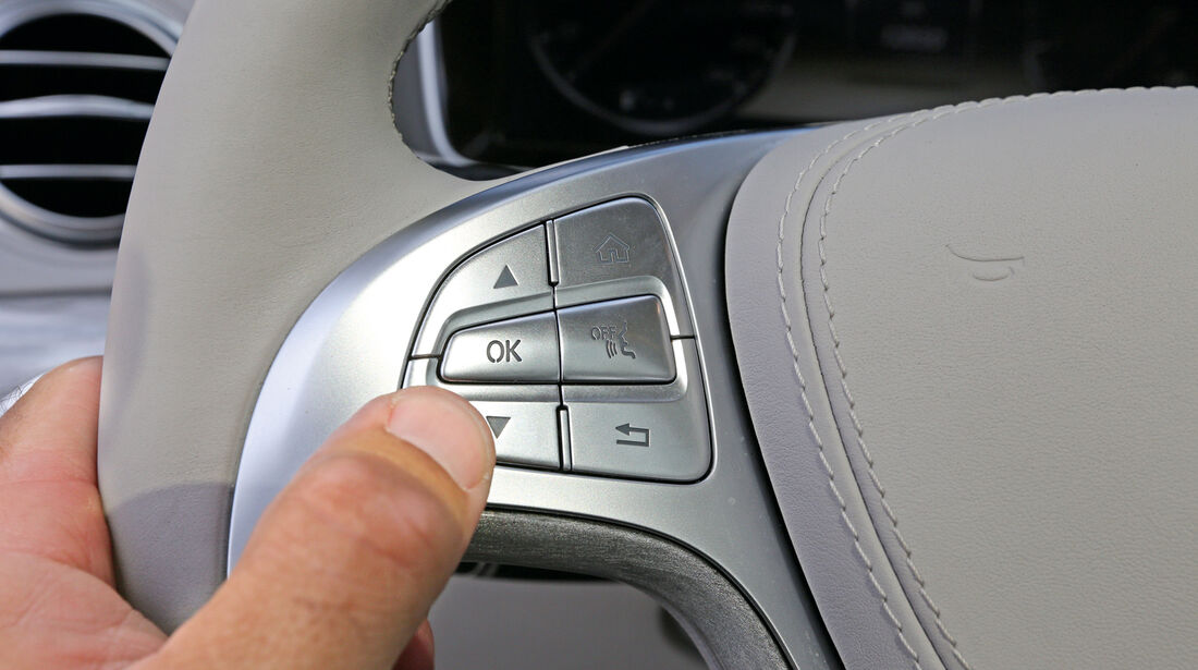 Mercedes S 500 L, Lenkradbedienung