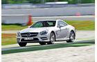 Mercedes SL 500, Seitenansicht, Kurvenfahrt