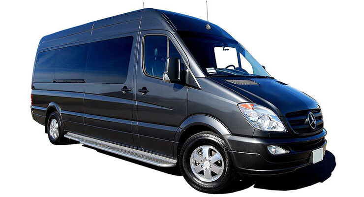 Mercedes Sprinter Jet Van von Becker Automotive Design