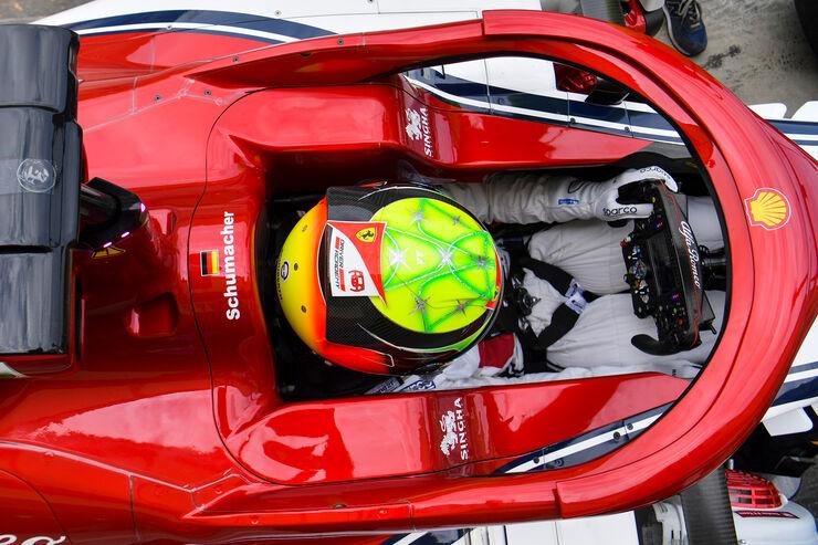Mick-Schumacher-Alfa-Romeo-F1-Test-Bahra