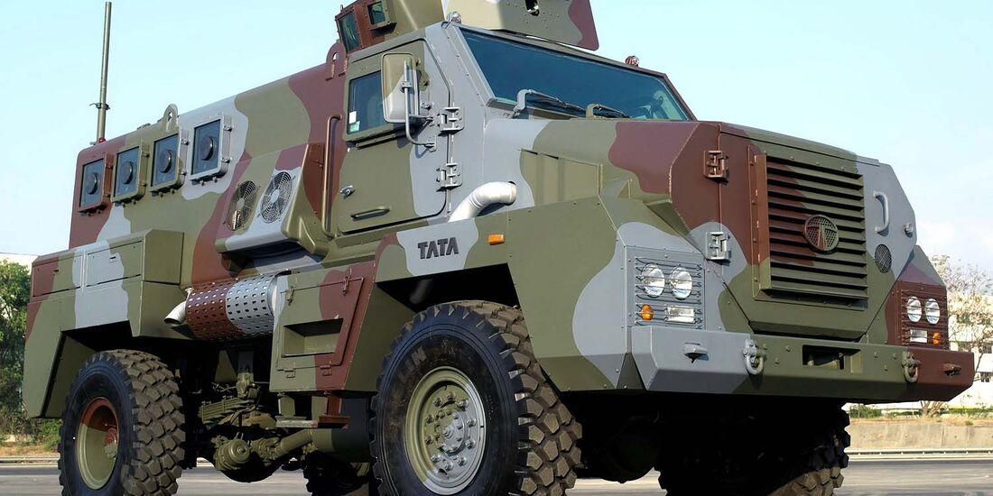 Militär-Geländewagen, military 4x4 offroader
