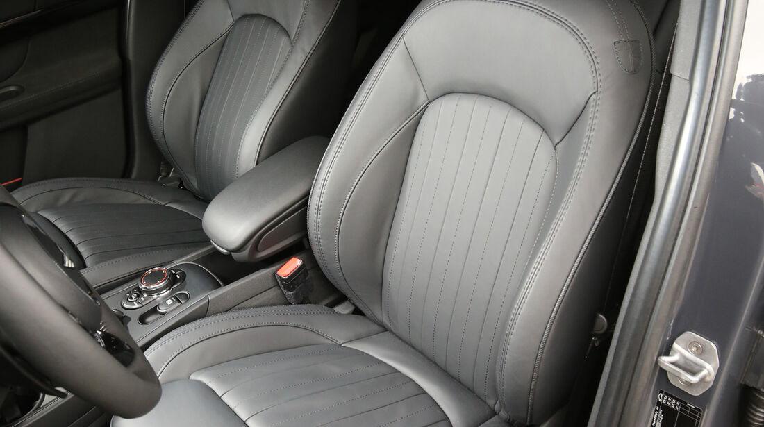 Mini Countryman Cooper S All4, Fahrersitz