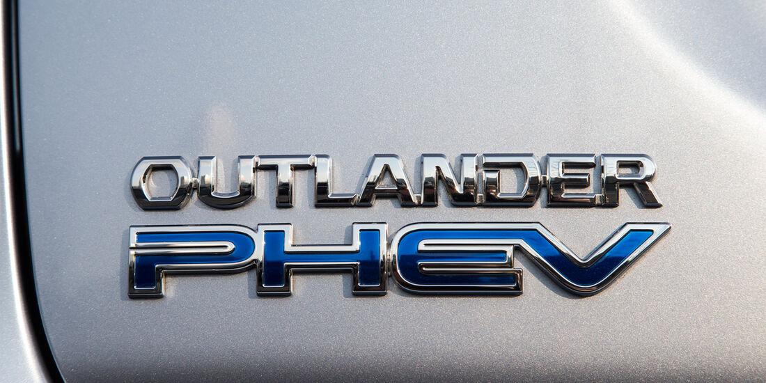 Mitsubishi Outlander PHEV, Typenbezeichnung