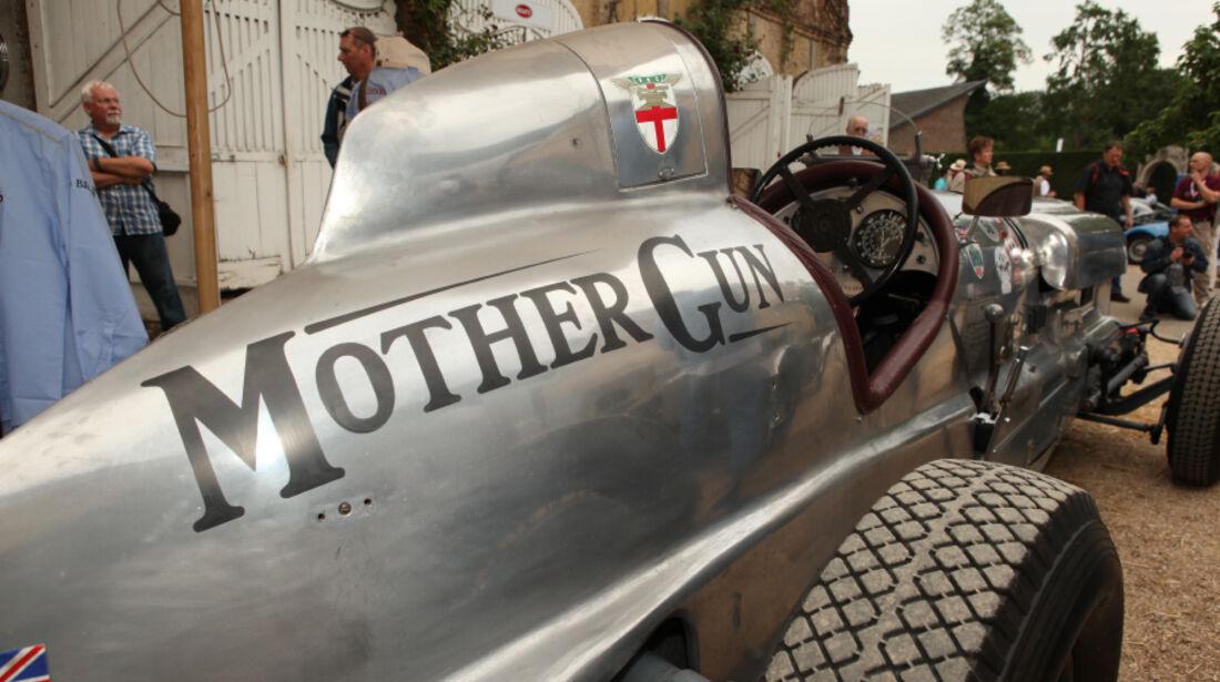 Mother Gun im Schloss Dyck