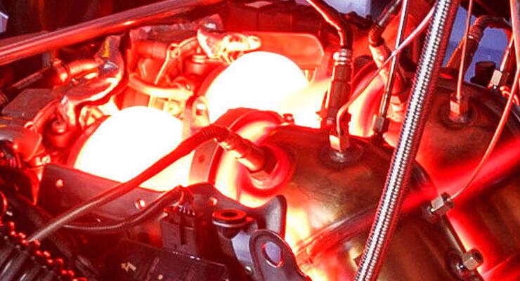 Motor Mercedes AMG GT, Prüfstand, glühend Turbolader