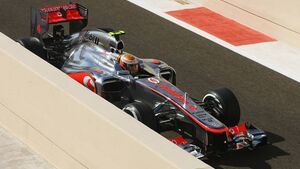 Motor Racing - Formula One World Championship - Abu Dhabi Grand Prix - Qualifying Day - Abu Dhabi, UAE
