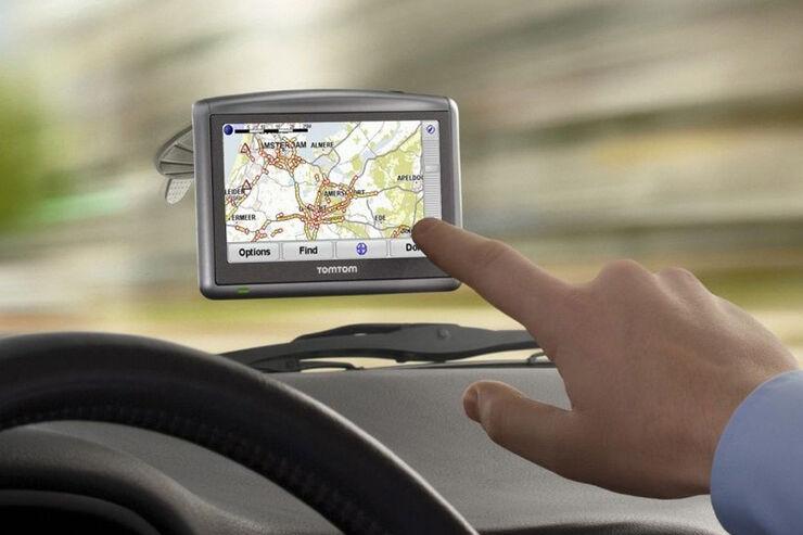 aktuelle navigationssysteme im berblick welche navigation f r wen auto motor und sport. Black Bedroom Furniture Sets. Home Design Ideas