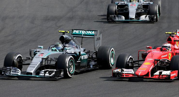 Nico Rosberg - Mercedes - Kimi Räikkönen - Ferrari - GP Ungarn - Budapest - Rennen - Sonntag - 26.7.2015