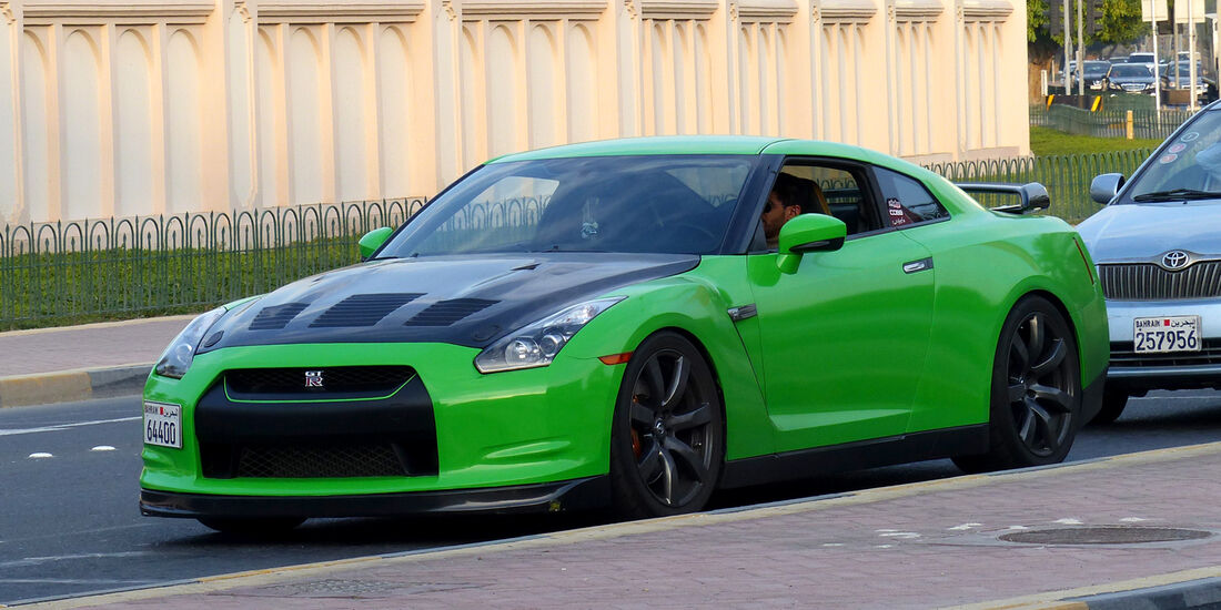 Nissan GT-R - Carspotting Bahrain 2014