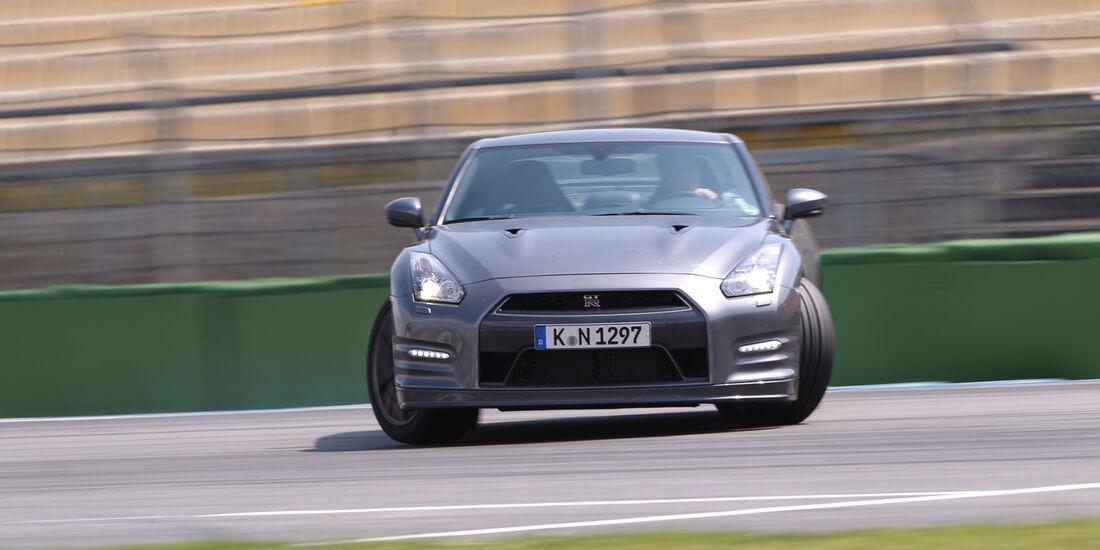Nissan GT-R, Frontansicht, Driften