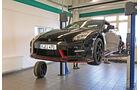 Nissan GT-R Nismo, Hebebühne