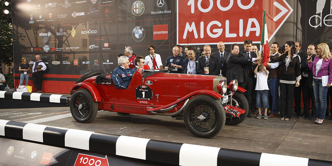 OM 665 am Start der Mille Miglia 2009.