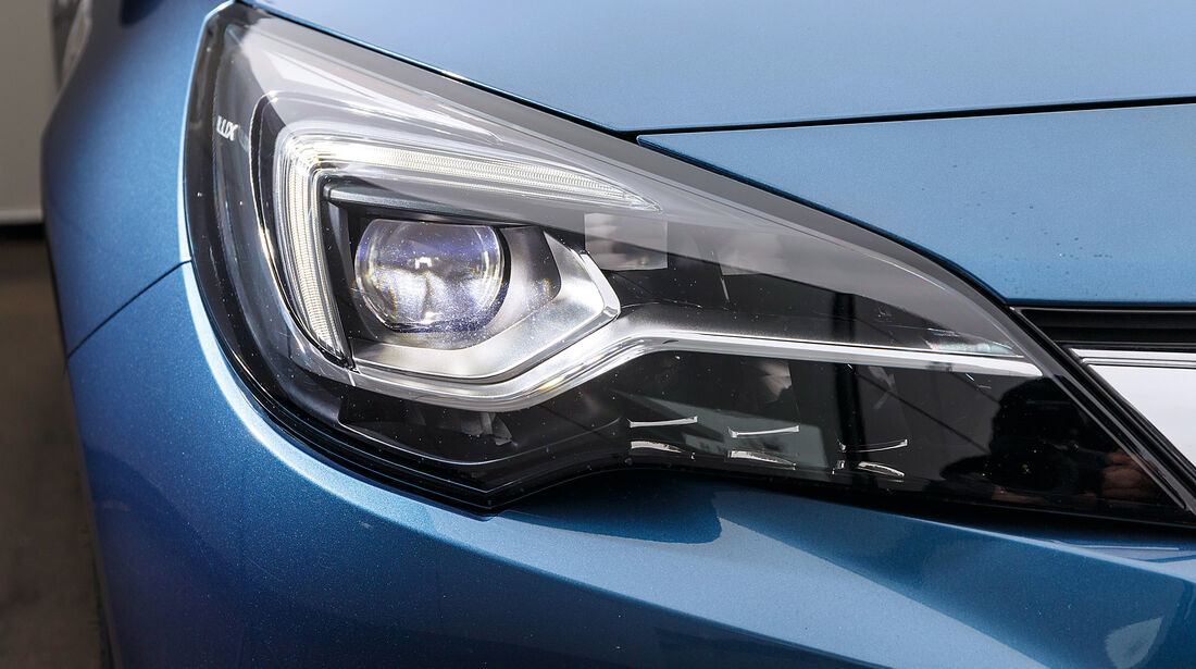 Opel Astra 1.4 DI Turbo, Frontscheinwerfer