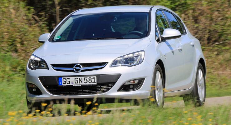 Opel Astra 1.6 CDTI EcoFLEX, Frontansicht