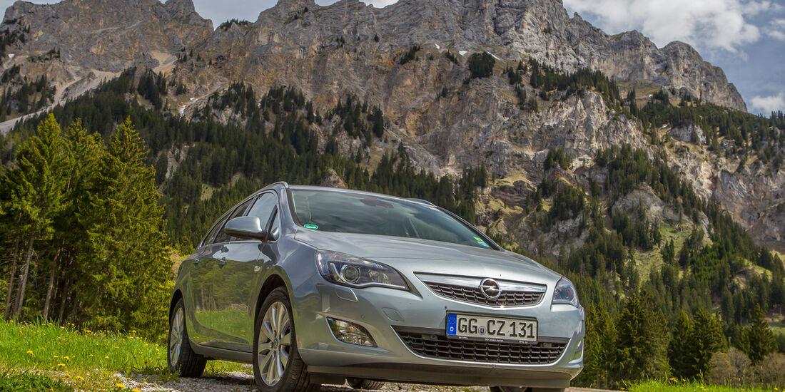 Opel Astra Sports Tourer 2.0 CDTi, Berglandschaft