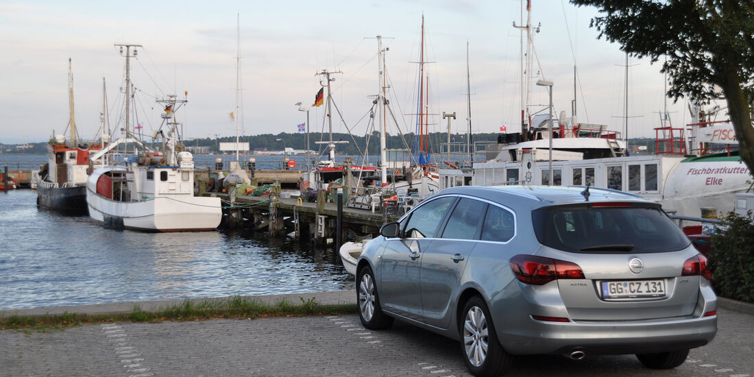Opel Astra Sports Tourer 2.0 CDTi, Hafen