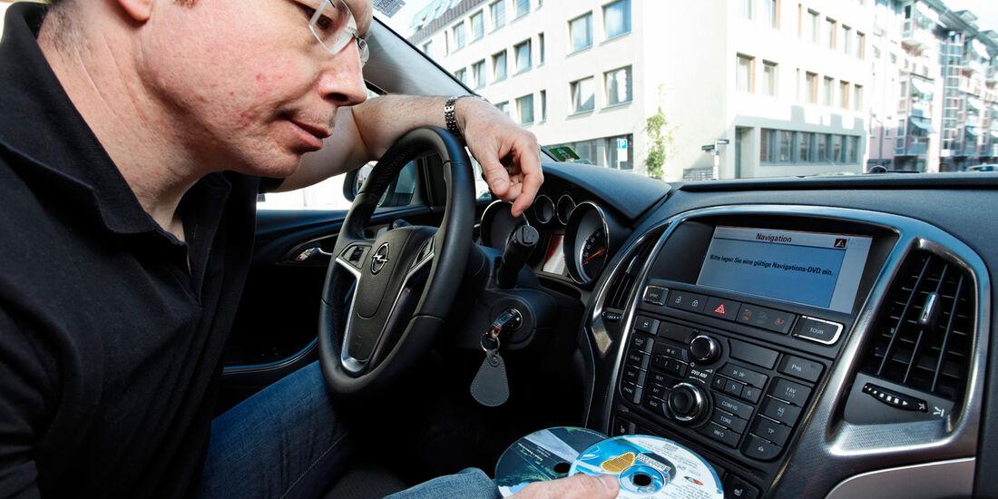 Opel Astra Sports Tourer 2.0 CDTi, Mittelkonsole, CD