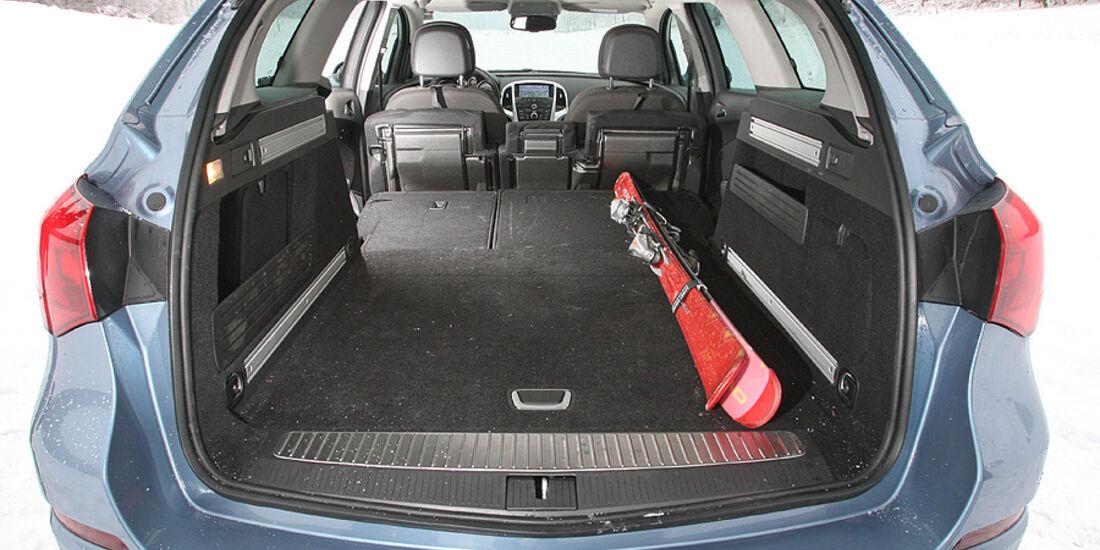 Opel Astra Sports Tourer 2.0 CDTi Sport Kofferraum