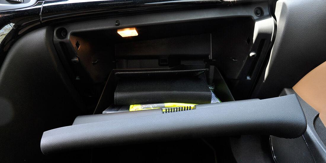 Opel Cascada, Handschuhfach