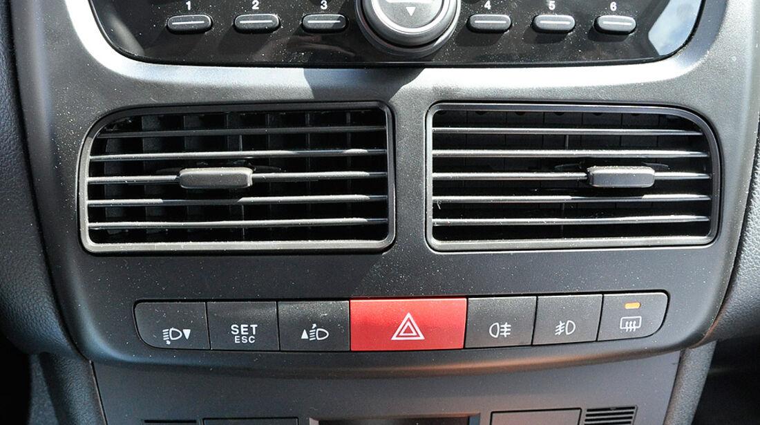 Opel Combo, Mittelkonsole, Klimaautomatik, Radio