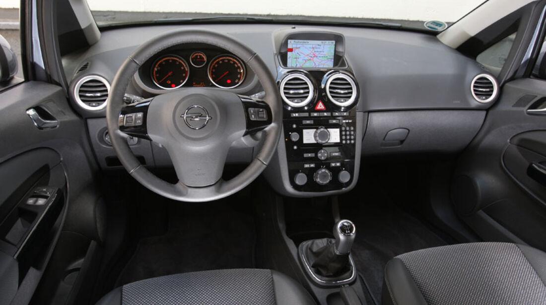Opel Corsa 1.4, Cockpit